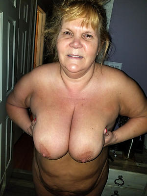 Hottest mature mom tits