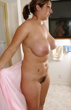 Hot porn of mature mom tits
