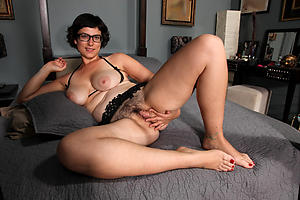 Of age single women porn pics