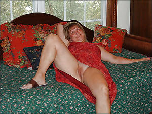 Amazing real matured singles denuded photos