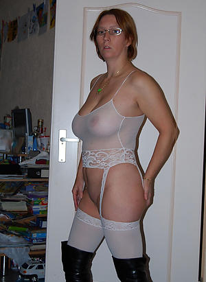 Curvy mature women just about glasses denuded pics