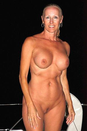 Horny mature cougar women mobile porn