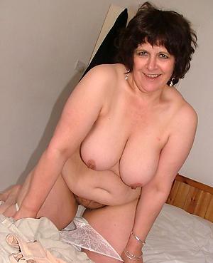 Nude free mature chubby pics