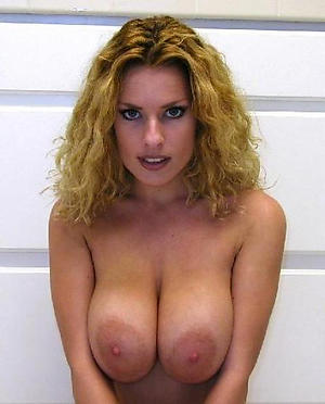 Amateur busty mature mother pussy pics