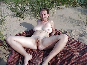 Amateur pics of sexy mature nude beach