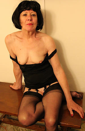 Sexy amateur mature ladies porn pics