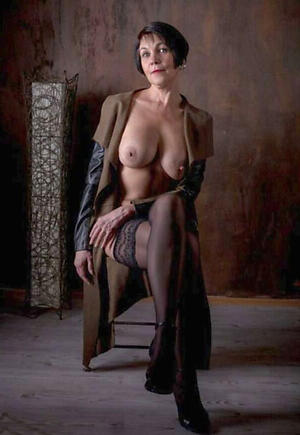 Non-professional pics of amateur mature ladies