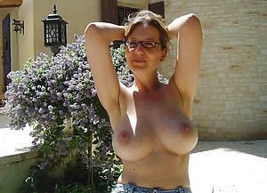 Mediocre big tits mature column floosie pics
