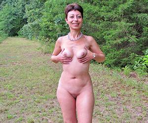 Sexy mature mom pussy pics
