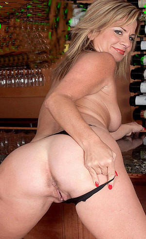 Tyro pics be useful to sexy mature moms