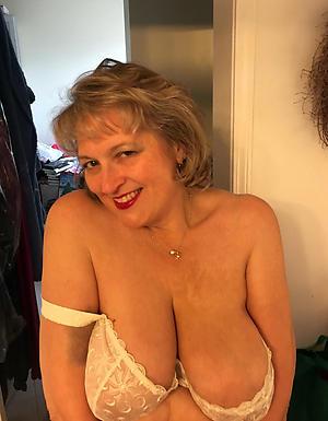 Hot porn of big unassuming tits mature