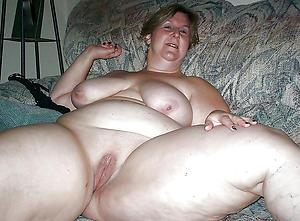 Titillating mature beamy women pussy pics