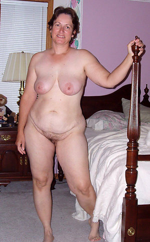Best pics of nude chubby moms