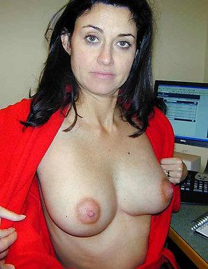 Free hot naked brunette women