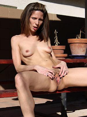 Horny naked mature brunettes photos