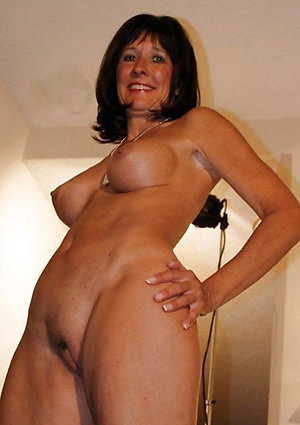 Amazing nude brunette women pics