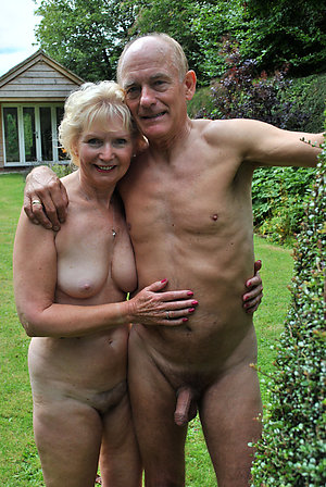 Free mature couples making love photo
