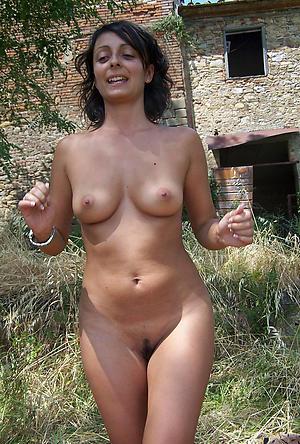 Amateur nude mature brunette porn pics
