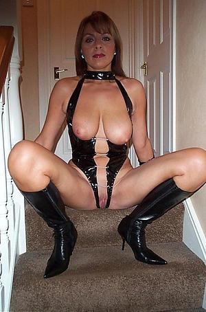Amateur sexy mature sluts porn pics