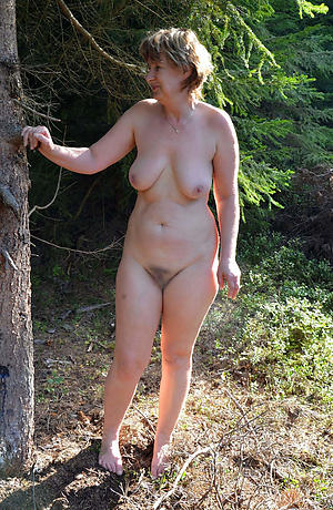 Free mature saggy tit and pussy pics