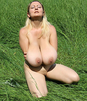 Sopping pussy and long saggy mature tits pics