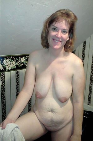 Real full-grown women with saggy tits porn pics