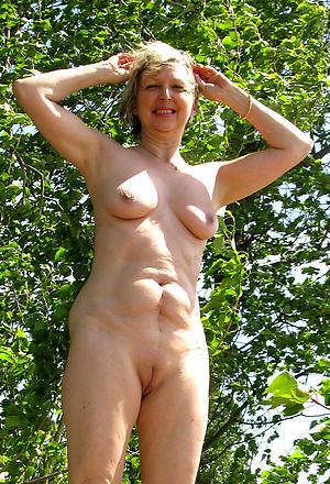 Xxx nude mature women outdoors gallery