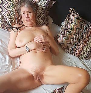 Unfold mature granny women photos