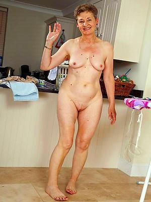 Xxx hot matured women nude