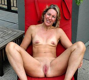 Pretty women near small tits pics