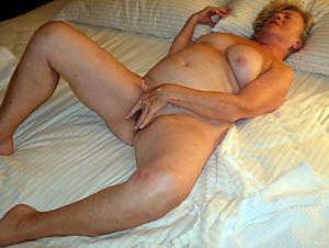 Free older mature pussy slut pics