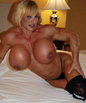 Inexpert pics of mature muscle chick