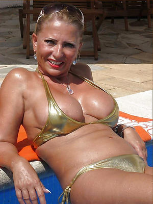 Pretty grown up bikini photos