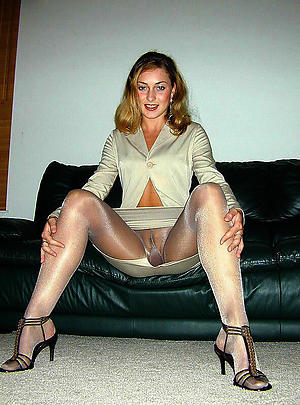 Xxx mature generalized wide pantyhose photos