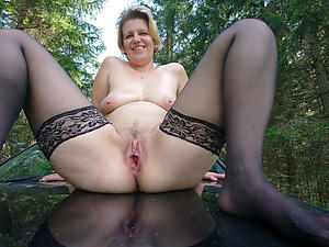 Slutty mature outdoor pussy exposed pics