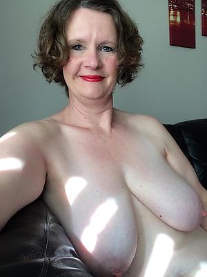 Pretty adult naked selfshots