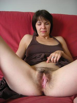Pretty naked mature vagina photos