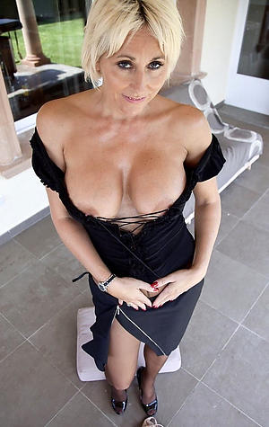 Gorgeous hot sexy mature women pics