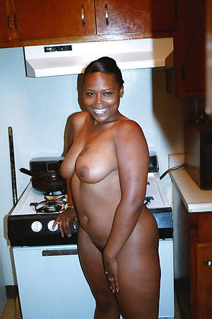 Mature black women unfold porn pics