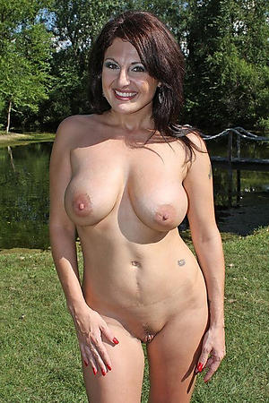 Second-rate pics of hairy mature milf