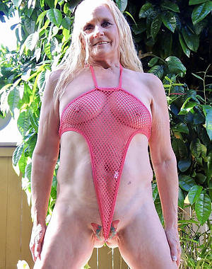 Amateur pics be expeditious for sexy of age moms less bikinis