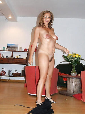Amateur mature nude housewives pussy pics
