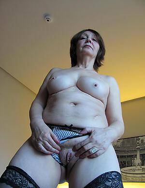 Amateur pics of horny hot mature floosie