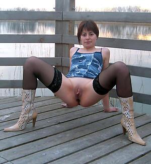 Enticing amateur mature sluts photos