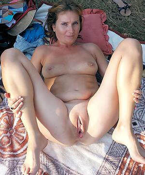 Real free mature female nude pics pics