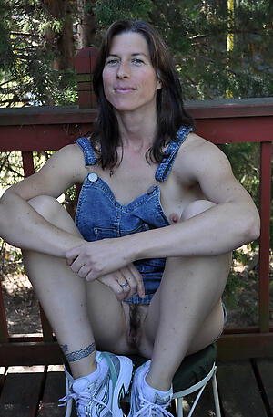 Bungler pics of mature pussy turn over 40