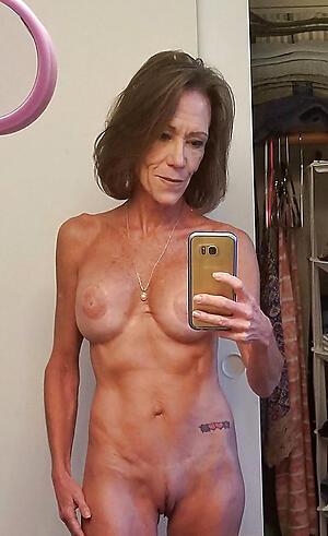 Xxx mature selfshot nude pics