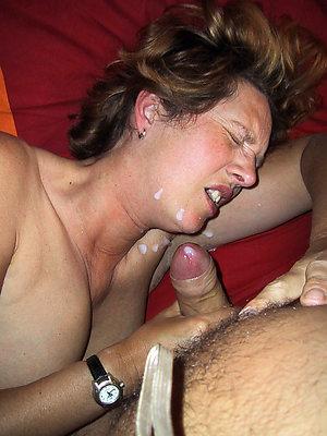 Amateur wife gets cumshot photo