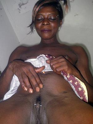 Black ebony women posing nude
