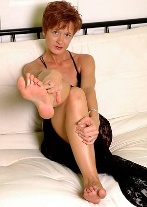 Sweet sexy mature feet pics